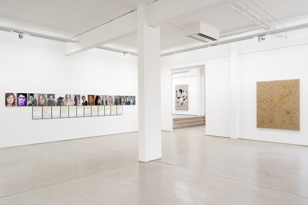 Installation view with art works by Sven Johne and Paul Czerlitzki, in the background: Jose Dávila, exhibition: Wege zur Welt, 30 May – 15 September 2019, G2 Kunsthalle Leipzig © the artists & G2 Kunsthalle, photo: Dotgain.info