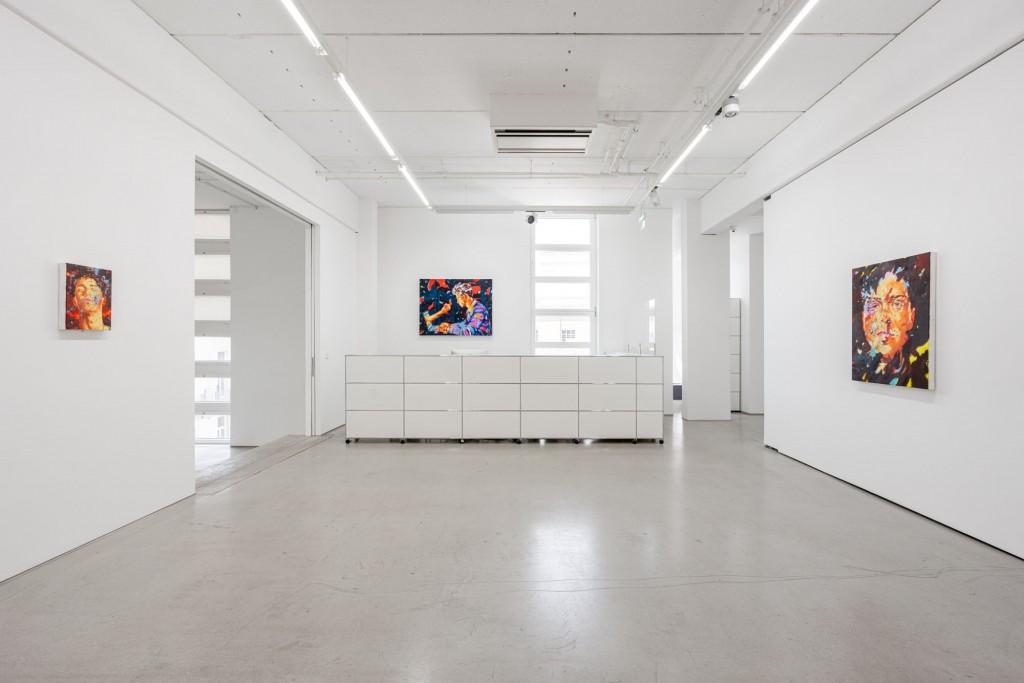 installation view: Norbert Bisky - DISINFOTAINMENT, G2 Kunsthalle Leipzig, June 4 – January 16, 2021, photo: Dotgain.info © G2 Kunsthalle Leipzig & Norbert Bisky / VG Bild-Kunst, Bonn 2021